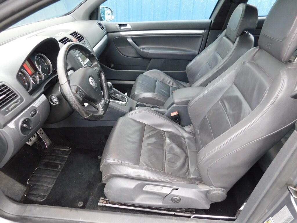 2008 Volkswagen R32 2dr Car