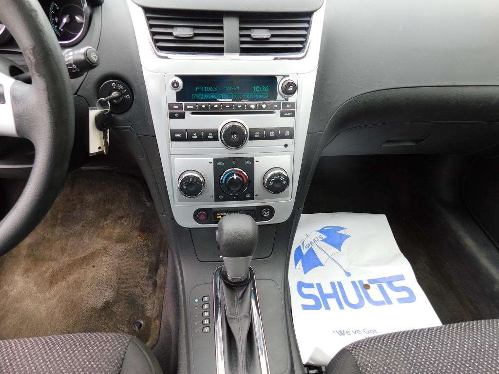 2011 Chevrolet Malibu 4dr Car