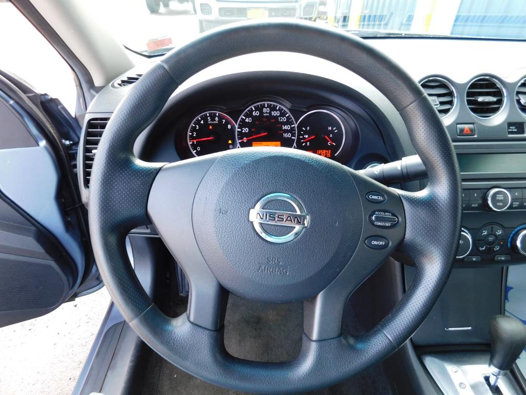2011 Nissan Altima 4dr Car