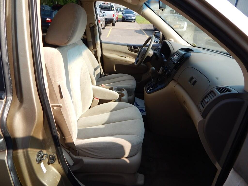 2008 Kia Sedona Sports Van