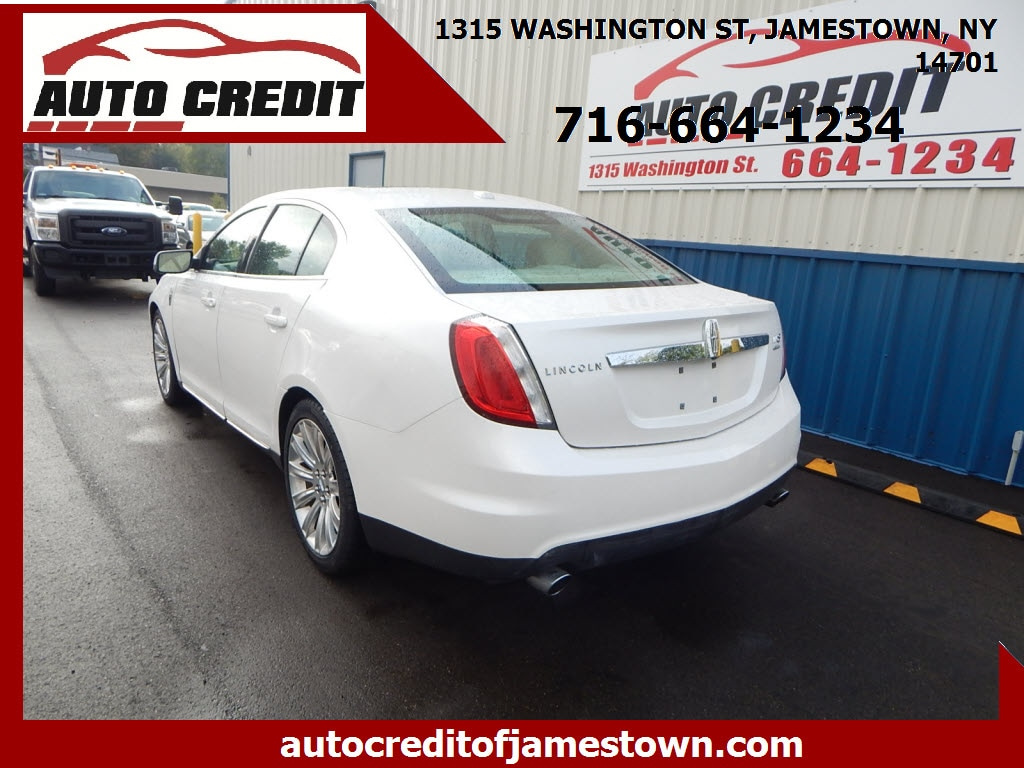 2012 Lincoln MKS 4dr Car