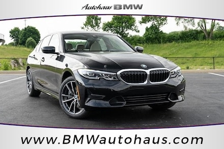Featured new 2021 BMW 330e xDrive Sedan for sale in St. Louis, MO