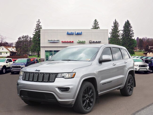 Used 2017 Jeep Grand Cherokee Laredo 4x4 SUV for Sale in Accident, MD