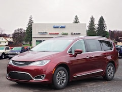 New Chryser Dodge Jeep RAM 2019 Chrysler Pacifica TOURING L PLUS Passenger Van for sale in Accident, MD
