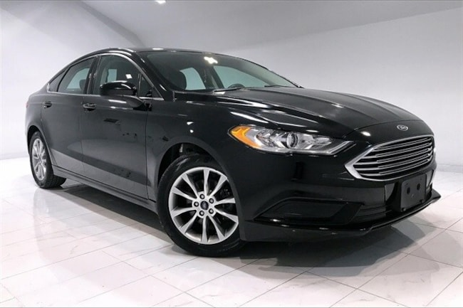 Used vehicle 2017 Ford Fusion SE Sedan for sale near you in Chantilly, VA