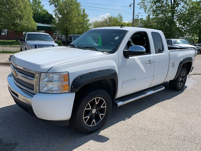 Used 2011 Chevrolet Silverado 1500 Truck Extended Cab for sale in Oregon, Ohio