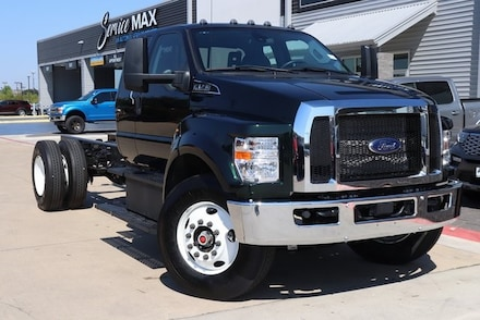 2021 Ford F-750 Gas Base Truck