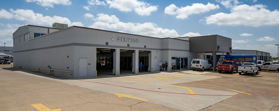 AutoNation Ford Arlington service center exterior
