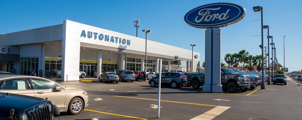 Outside view of AutoNation Ford Bradenton