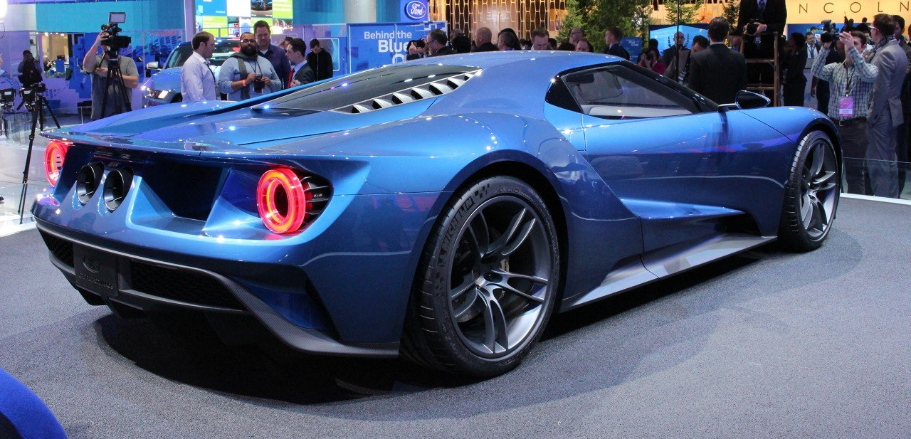 Bearing Less And Less Resemblance To Its Predecessors The New Ford Gt Is Remarkably Exotic Ultra Modern And Has Been Engineered To Outperform The Ferrari