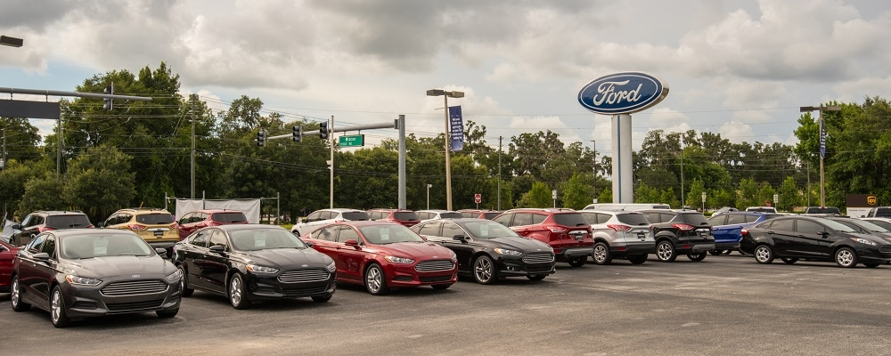 Outside view of AutoNation Ford Brooksville