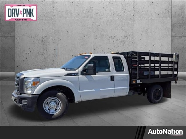 2014 Ford F-350 Chassis XL Truck Super Cab