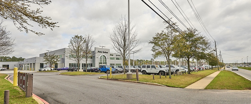 Exterior view of AutoNation Chrysler, Dodge, Jeep, RAM Mobile serving Daphne