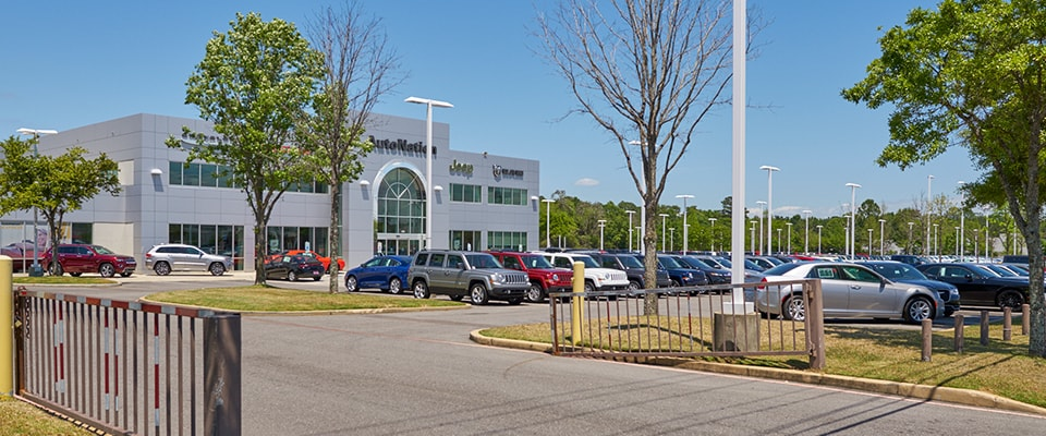 Exterior view of AutoNation Chrysler, Dodge, Jeep, RAM Mobile serving Pensacola