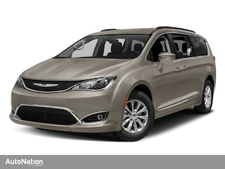 2018 Chrysler Pacifica TOURING L Passenger Van