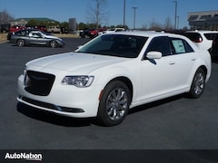 2018 Chrysler 300 Touring 4dr Car