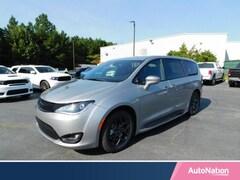 2018 Chrysler Pacifica Touring Plus Mini-van Passenger