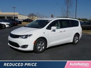 2018 Chrysler Pacifica Hybrid Touring Plus Mini-van Passenger