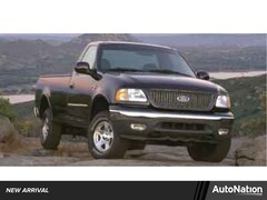 2000 Ford F-150 XL Regular Cab Pickup