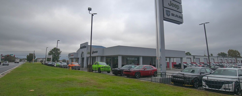 Exterior view of Autonation Chrysler Dodge Jeep Ram South Columbus during the day