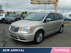 2016 Chrysler Town & Country Touring-L Anniversary Edition Mini-van Passenger