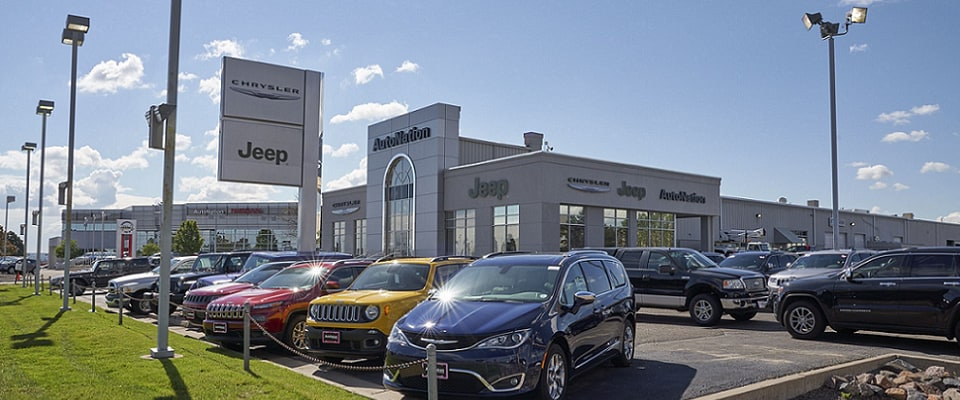 Outside view of Autonation Chrysler Jeep Arapahoe