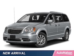 2016 Chrysler Town & Country Touring Mini-van Passenger