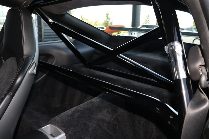 There's no back seat in the Porsche GT3 RS. But there is a roll bar.