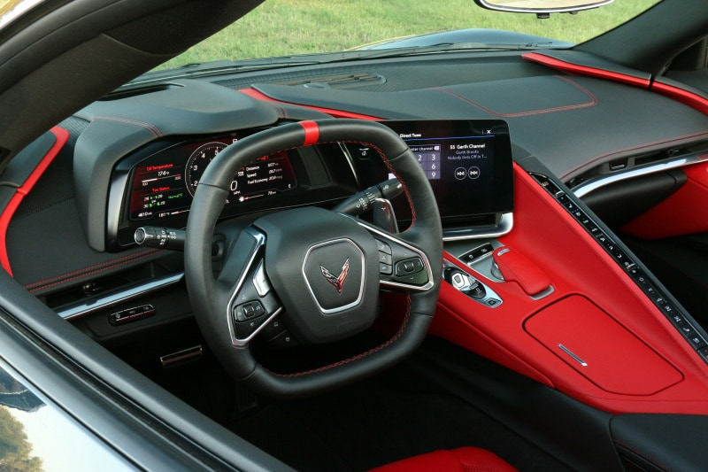 See the interior of the 2020 Chevrolet Corvette Stingray 2LT
