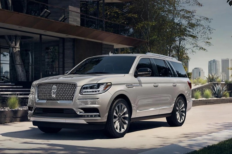 Exterior view of the 2021 Lincoln Navigator Black Label