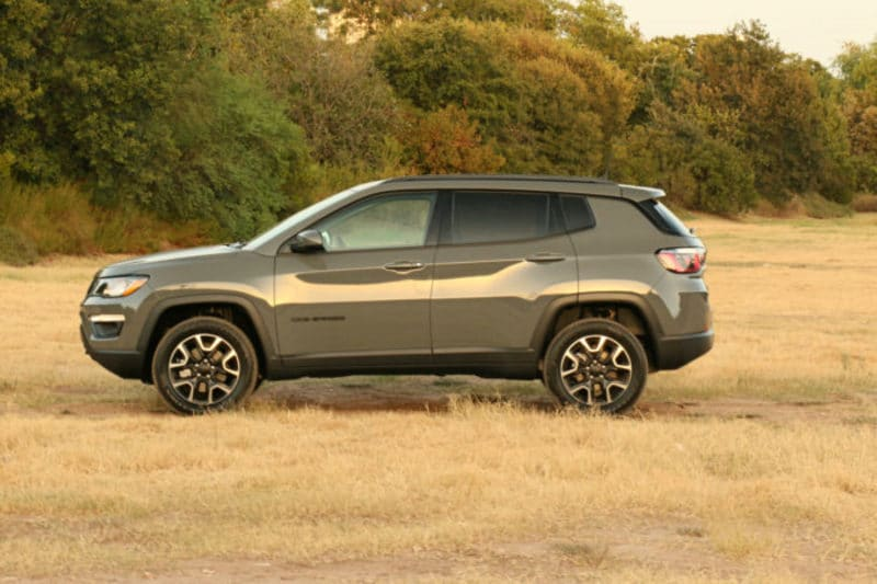 The Upland has a front skid plate and tow hooks — just like the hardocre Trailhawk.