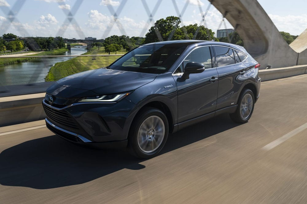 Image composition of the 2021 Toyota Venza Crossover Hybrid