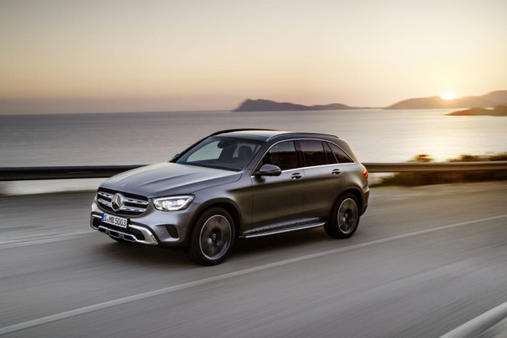 Image composition of the 2020 Mercedes-Benz GLC 300 Hybrid
