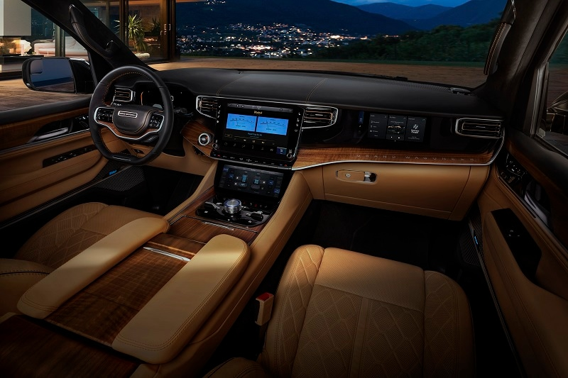 Interior view of the 2022 Jeep Wagoneer