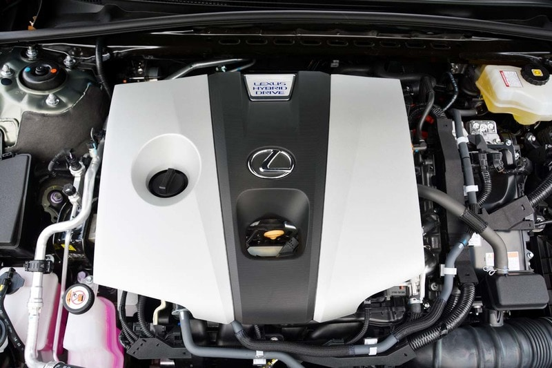 Engine view of the 2020 Lexus ES
