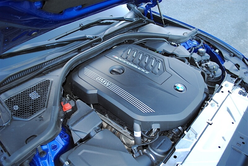 The TwinPower Turbo inline-six cylinder engine provides 382 hp and 369 lb-ft of torque.