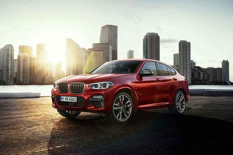 Exterior view of the BMW X4