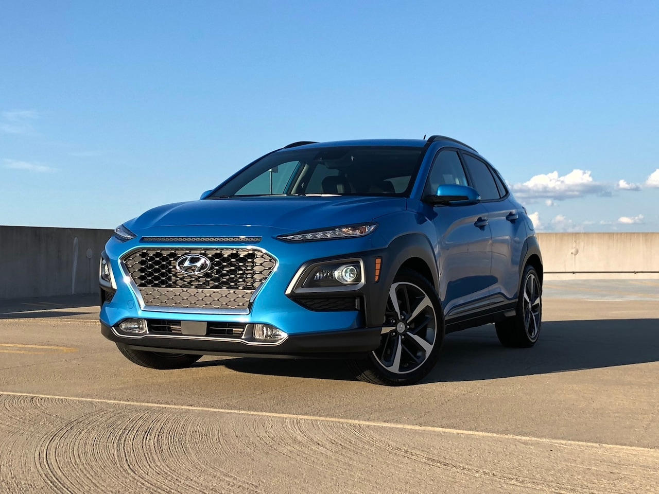 See the exterior of the 2018 Hyundai Kona 1.6T