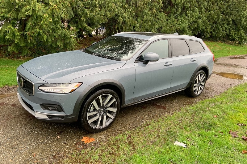Exterior view of the 2021 Volvo V90 Cross Country T6