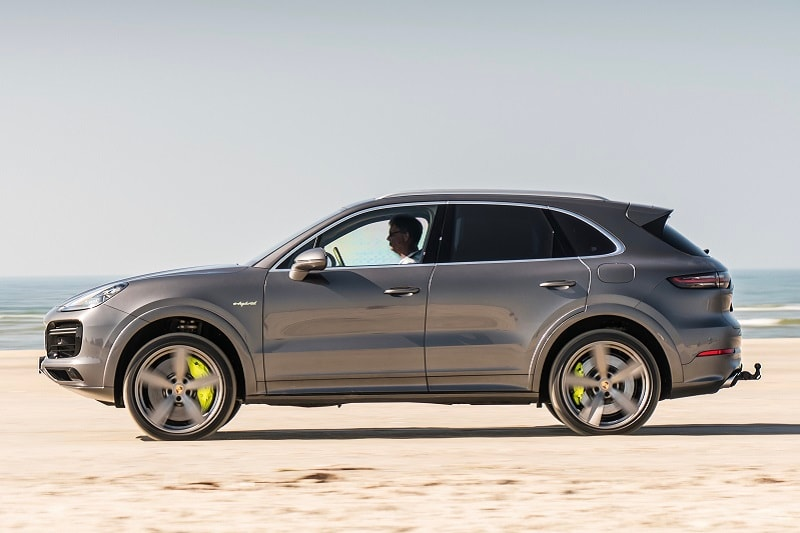 Exterior view of the porsche Cayenne Turbo E-Hybrid