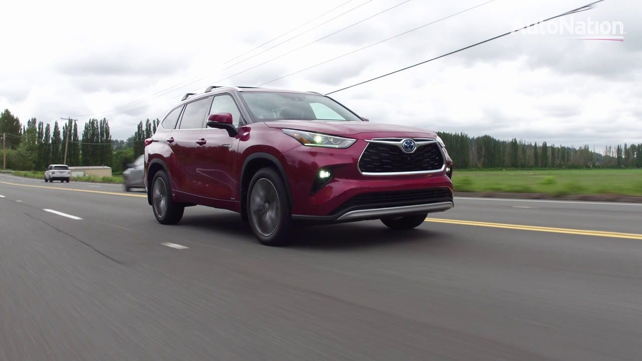 Image composition of the 2020 Toyota Highlander Hybrid