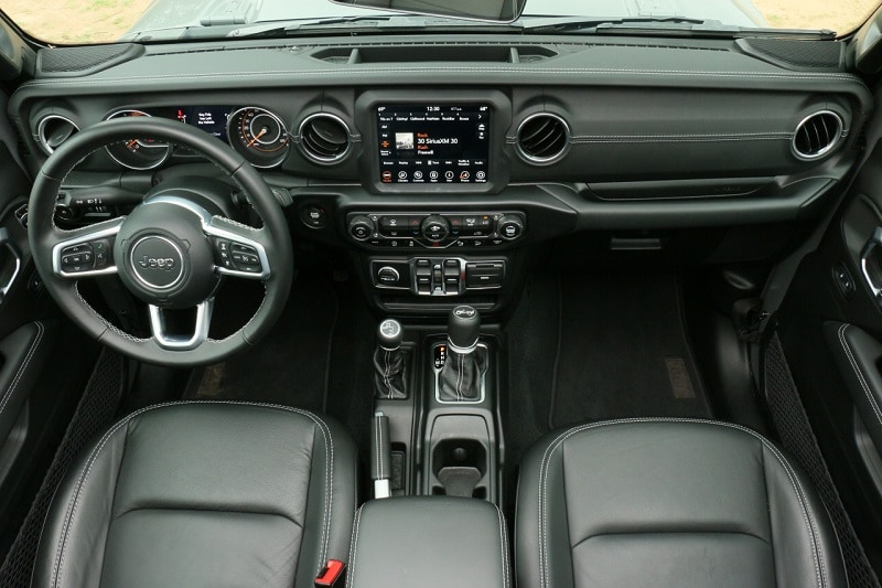 2020 Jeep Wrangler Unlimited Sahara interior