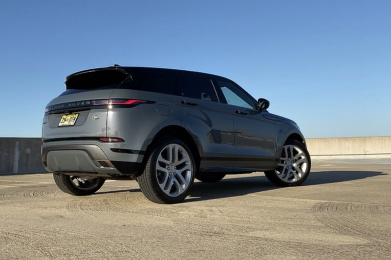 Rear 3/4 view of 2020 Range Rover Evoque