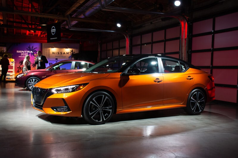 Like the Kicks and the Leaf, there will be two-tone color options or the exterior of the Sentra.