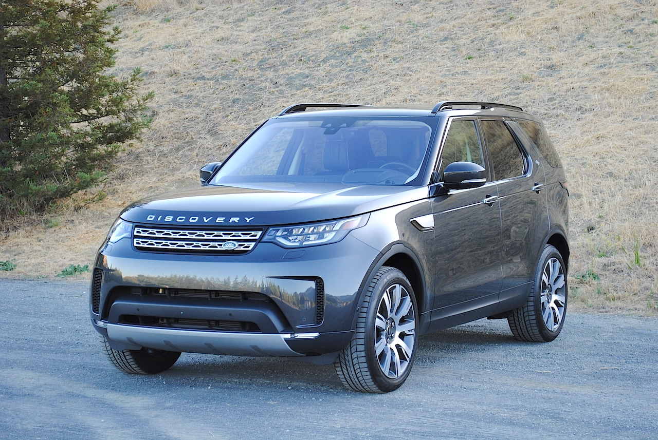 See the exterior of the 2019 Land Rover Discovery
