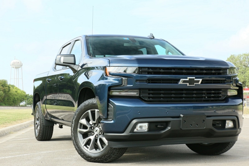 See the body of the 2020 Chevrolet Silverado 1500 RST (2WD)