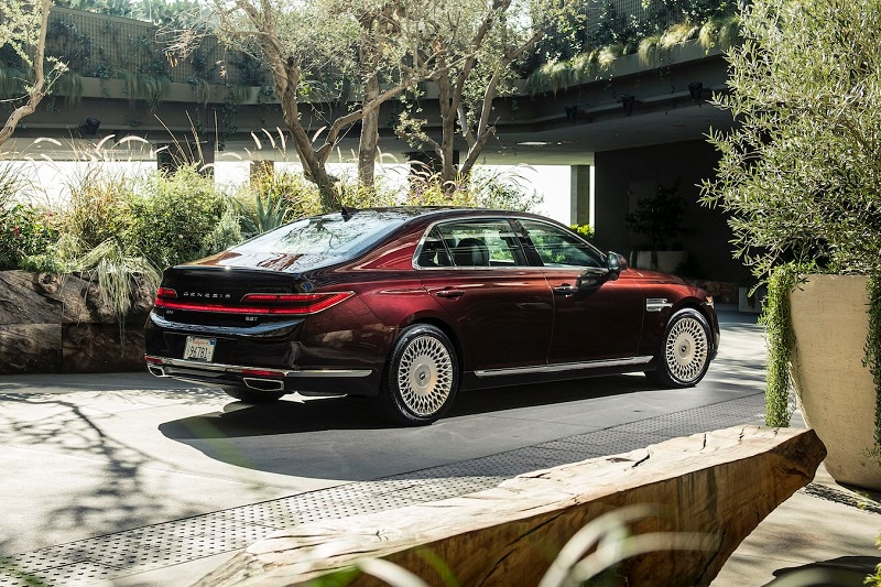 See the exterior of the 2020 Genesis G90 Ultimate