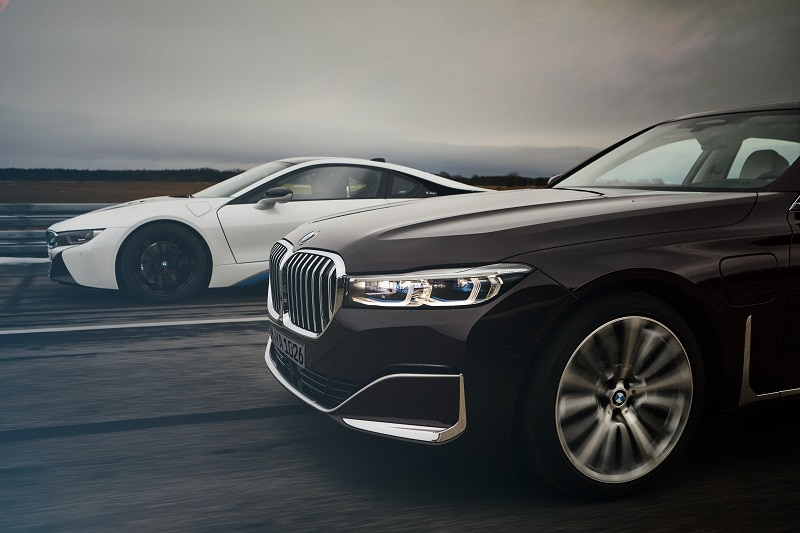 Exterior view of 2021 BMW 745Le and 2021 BMW i8 Coupé