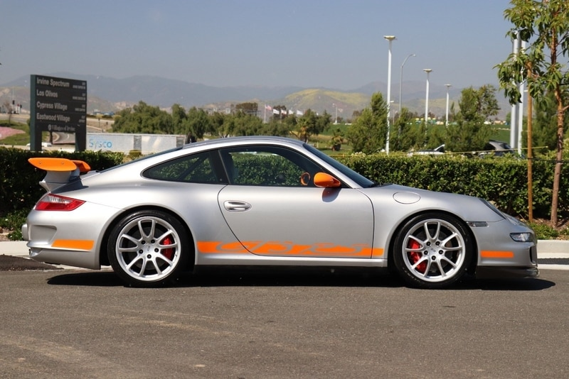 The profile of the Porsche GT3 RS is as beautiful as it is iconic.