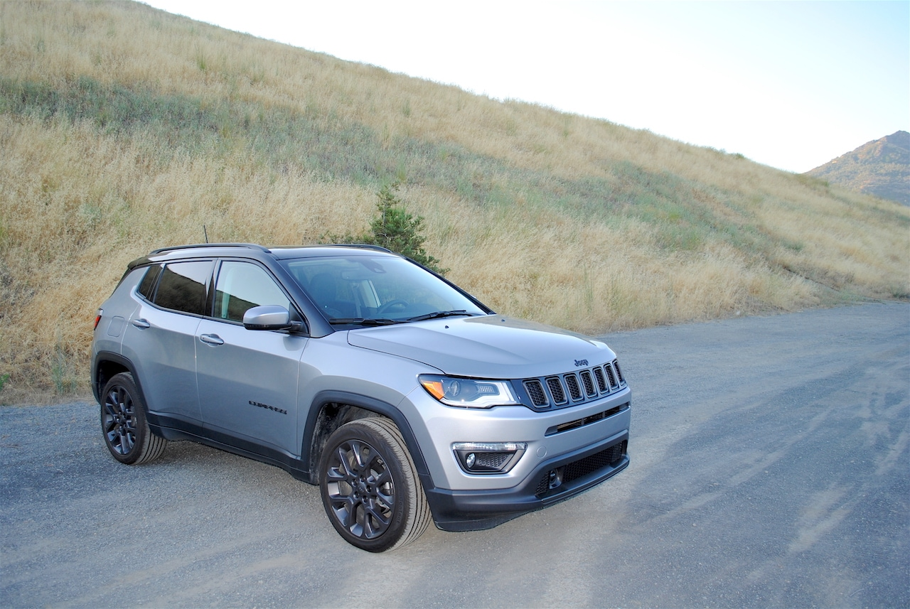See the exterior of the 2019 Jeep Compass High Altitude